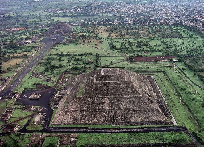 Teotihuacán_2012-09-28_00-07-11